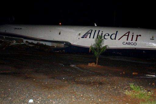 Epave de l'avion qui s'est écrasé aux abords de l'aéroport d'Accra, au Ghana, le 2 juin 2012 AFP Adadevoh David