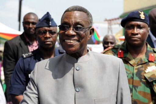 John Atta Mills arrive à Takoradi le 15 décembre 2010 AFP/Archives Pius Utomi Ekpei
