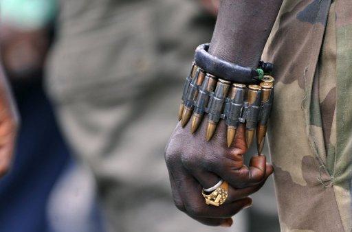 Un soldat des forces pro-Ouattara, en mai 2011 à Yamoussoukro, en Côte d'Ivoire AFP/Archives Sia Kambou