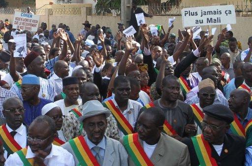 Manifestation à Bamako pour l'envoi d'une force armée ouest-africaine afin de reconquérir le nord du pays, le 11 octobre 2012 AFP Habibou Kouyate