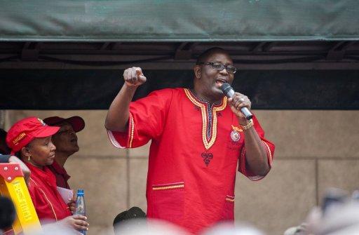 Le secrétaire général de la confédération syndicale sud-africaine Cosatu, Zwelinzima Vavi, le 7 mars 2012 à Johannesburg AFP/Archives