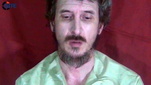 Capture d'écran fournie par un site de surveillance des sites islamistes le 4 octobre 2012, montrant l'otage français en Somalie Denis Allex Site monitoring service/AFP -