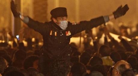 Un manifestant au Caire le 25 janvier 2011. REUTERS / Asmaa Waguih