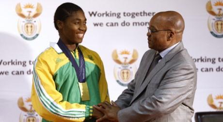 Le président sud-africain Jacob Zuma reçoit Caster Semenya. Siphiwe Sibeko / Reuters