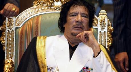 Kadhafi au gala pour le 41e anniversaire de la révolution libyenne, à Tripoli, le 1er septembre 2010. REUTERS/Ismail Zitouny