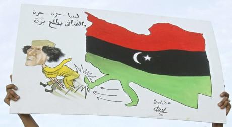 Des manifestants à Tobrouk, Libye, le 22 février 2011. REUTERS/Asmaa Waguih