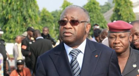 Laurent Gbagbo à l'enterrement de militaires, le 4 février à Abidjan. Reuters/Thierry Gouegnon
