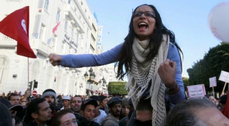 Marche des femmes pour la citoyenneté et l'égalité le 29 janvier 2011 à Tunis. REUTERS/Louafi Larbi