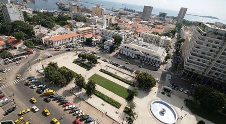La place de l'Indépendance de Dakar by mostroneddo via Flickr CC
