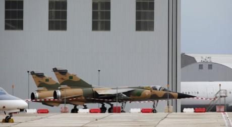 A Malte, les Mirage F1 des pilotes libyens qui ont fait défection le 21 février. Reuters/Darrin Zammit Lupi