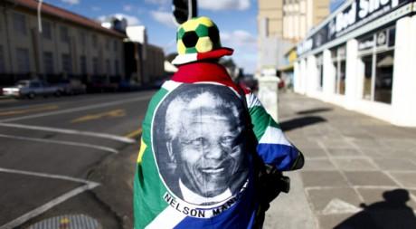 Une femme à Bloemfontein, Afrique du Sud, le 15 juin 2010. REUTERS/Jorge Silva