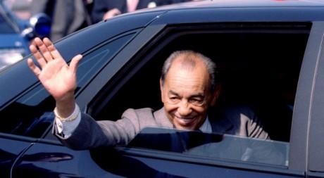 Le roi Hassan II en visite en France, le 6 mai 1996. REUTERS/Charles Platiau