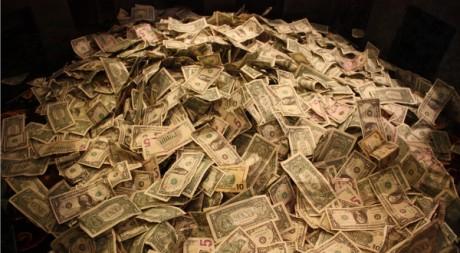 Money by aresauburn™ via Flickr CC