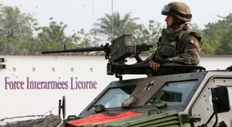 Un soldat de la Licorne à Abidjan le 11 avril, jour de l'arrestation de Laurent Gbagbo. Reuters/Luc Gnago