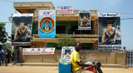 Des affiches représentant Blaise Compaoré, à Ouagadougou, Burkina Faso, le 9 novembre 2005.