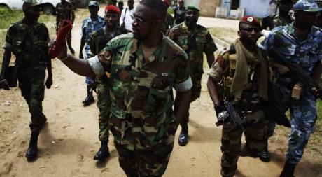Ibrahim Coulibaly et son commando invisible à Abidjan le 19 avril. Reuters/Finbarr O'Reilly