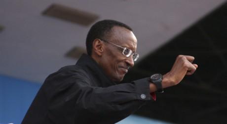 Paul Kagamé en campagne électorale en juillet 2010 à Kigali. REUTERS/Hereward Holland