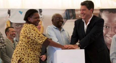 Le 8 mai, le président du Mozambique Armando Guebuza (au centre) a inauguré la mine du brésilien Vale. AFP/Johannes Myburgh