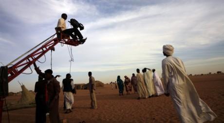 Tournage de film près d'Omdurman, au Soudan, en janvier 2011. REUTERS/Mohamed Nureldin Abdallah