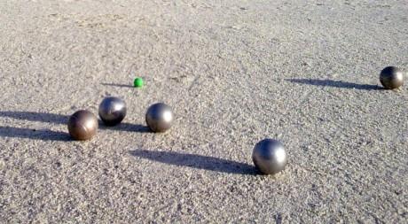 Boules de pétanque, by atgrims via Flickr CC