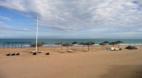 Une plage de Tunisie by Paul SKG via Flickr CC