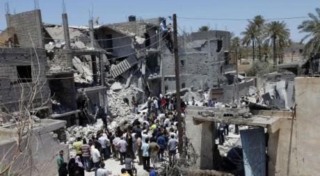 Une maison détruite par des bombardements de l'Otan à Tripoli selon le gouvernement libyen, 19 juin 2011. REUTERS/Ismail Zetouni