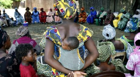 Réunion de femmes luttant contre l'excision. Sénégal, septembre 2007 © REUTERS/Finbarr O'Reilly
