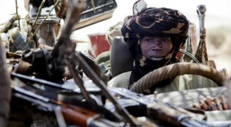 Un membre de la coalition des forces rebelles au Darfour en mars 2011 by Albert Gonzalez Farran/AFP/HO/UNAMID