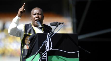 Julius Malema, le 15 mai 2011 à Soweto, Afrique du Sud. AFP PHOTO / STEPHANE DE SAKUTIN