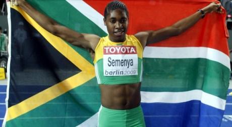 Caster Semenya, championne du monde du 800 mètres, le 19 août 2009. REUTERS/Dominic Ebenbichler