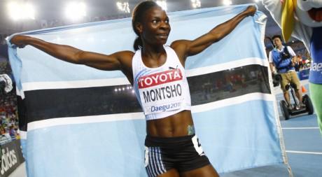 Amantle Montsho, championne du monde du 400m à Daegu, le 29 août 2011. REUTERS/Kai Pfaffenbach