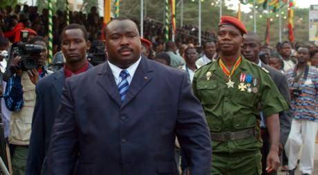 Le ministre de la Défense Kpatcha Gnassingbé à Lomé, Togo, le 13 janvier 2006. AFP PHOTO Erick Christian Ahounou