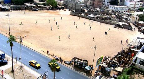 Une partie de football à Dakar au Sénégal en 2007 by Serigne Diagne via Flickr