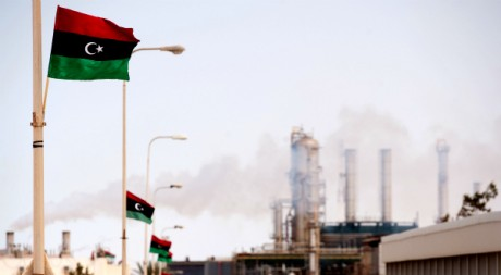 Une raffinerie de pétrole à Zawiya, Libye, le 23 septembre 2011. AFP PHOTO/Leon Neal