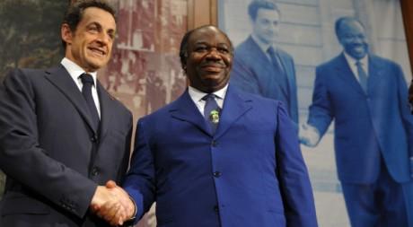 Ali Bongo et Nicolas Sarkozy, à Libreville le 24 février 2010. REUTERS / Philippe Wojazer