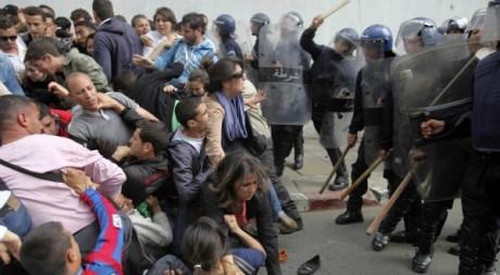 Manifestation à Alger le 12 avril 2011. Reuters/STR New