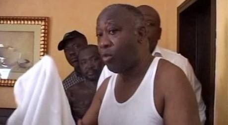 Laurent Gbagbo le 11 avril 2011, à Abidjan, lors de son arrestation. REUTERS
