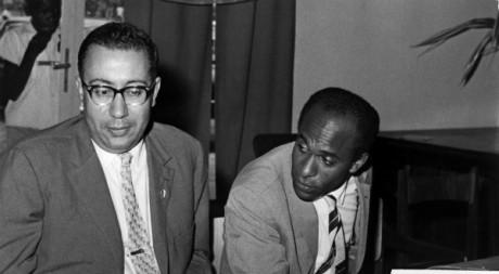 A droite, Franz Fanon représente le FLN au Congo le 27 août 1960. AFP/UPI