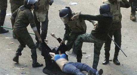 Manifestation au Caire le 17 décembre 2011. Reuters/Stringer