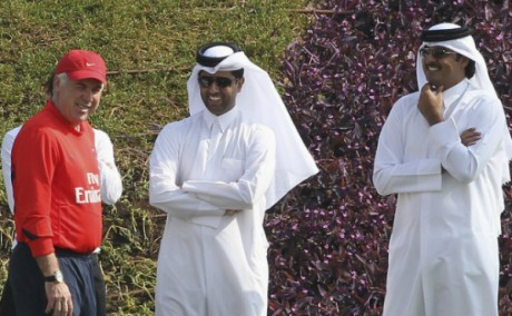Carlo Ancelotti, Nasser al-Khelaïfi et Tamim bin Hamad al-Thani. Mohammed Dabbous/REUTERS