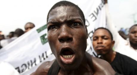 Manifestation à Lagos, le 10 janvier 2012. REUTERS/ Akintunde Akinleye