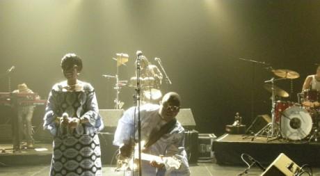Amadou et Mariam en concert en région parisienne, octobre 2009. By Jojolafrite via Flickr CC