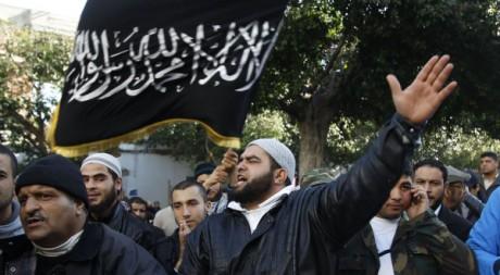 Manifestation à Tunis contre la chaîne de télévision Nessma, le 23 janvier 2012. REUTERS/Zoubeir Souissi