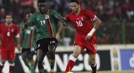 Iván Bolado (en rouge), joueur de l'équipe nationale de Guinée équatoriale. REUTERS/Luc Gnago