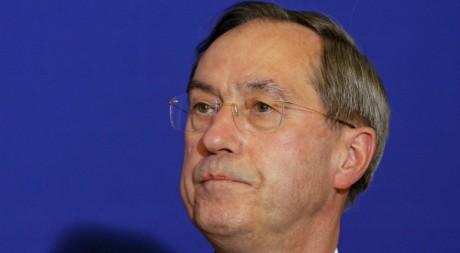 Claude Guéant, lors d'une conférence de presse à Paris, le 9 mai 2011. REUTERS/Benoit Tessier