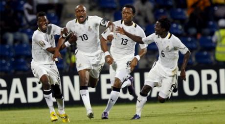André Ayew et ses coéquipiers célèbrent le but inscrit en quart de finale face à la Tunisie. REUTERS/Louafi Larbi