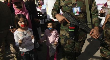 Manifestation contre la violence de la guerre à Tripoli le 26 novembre 2011. Reuters/Mohammed Salem