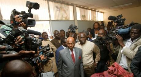 Abdoulaye Wade, au premier tour de la présidentielle sénégalaise. REUTERS/Youssef Boudlal.