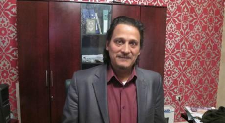 Hosin Moktar Shamli dans son bureau. Damien Spleeters