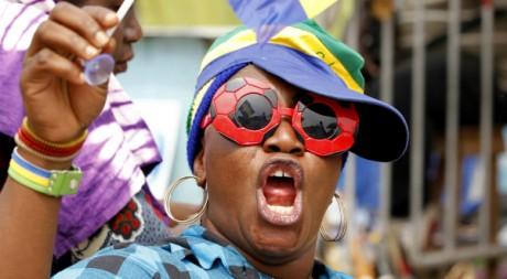 Une supportrice gabonaise lors de la Coupe d'Afrique des Nations, le 22 janvier 2012 à Libreville. REUTERS/Thomas Mukoya